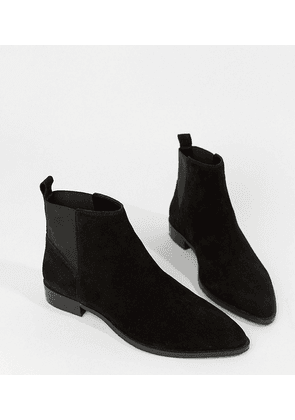 2b26f529acecf ASOS DESIGN Wide Fit Atom suede chelsea boots - Black suede