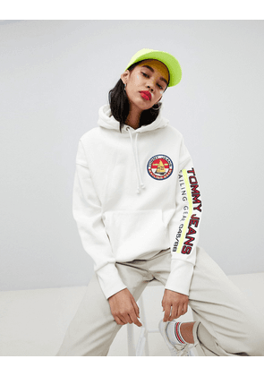 8b2e0951 Tommy Jeans 90s Capsule 5.0 Sailing Hoodie With Sleeve Logo - Bright white