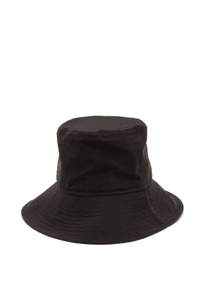 Ami - Chin Strap Bucket Hat - Mens - Black