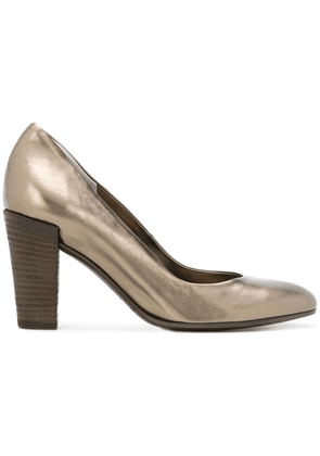 Del Carlo metallic pumps