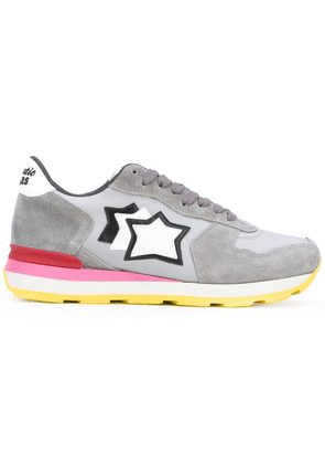 Atlantic Stars star patch sneakers - Grey