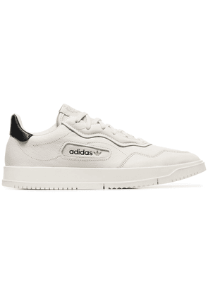 Adidas white Super Court leather low-top sneakers - Neutrals