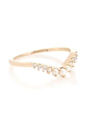Petite Tiara 14kt yellow gold ring with pearls and diamonds