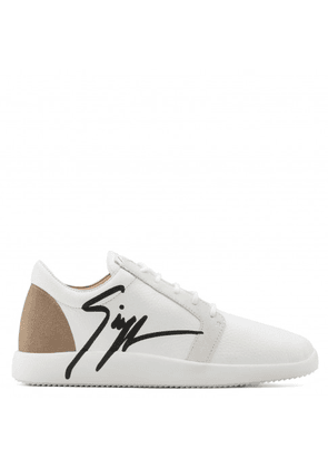 Giuseppe Zanotti - Leather low-top sneaker with Signature G RUNNER
