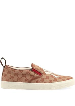 Gucci Men's slip-on sneaker with NY Yankees patch™ - Brown