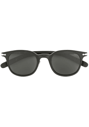 Eyevan7285 D-frame sunglasses - Black