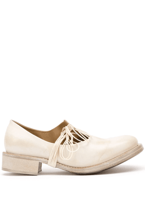 Cherevichkiotvichki asymmetric Mary Jane shoes - White