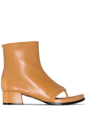 Loewe camel 60 leather thong boots - Brown