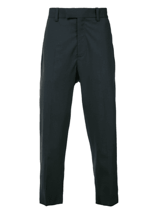 Oamc tapered ankle length trousers - Blue