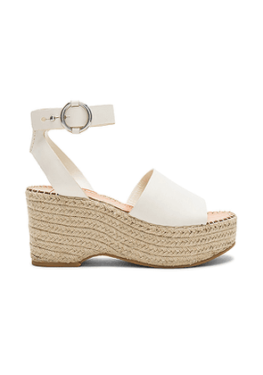 Dolce Vita Lesly Wedge in Ivory. Size 7.5,9.5.