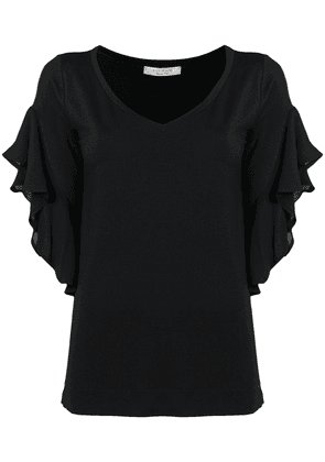 D.Exterior frilled shortsleeved blouse - Black