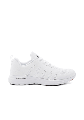 APL: Athletic Propulsion Labs Techloom Pro Sneaker in White. Size 5,9.5.