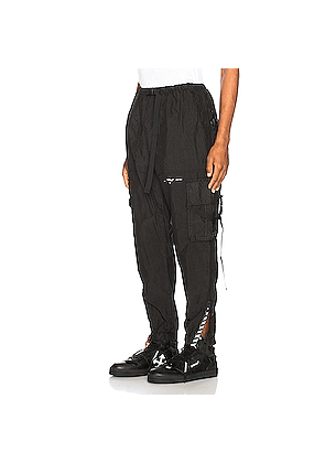 OFF-WHITE Parachute Cargo Pant in Black