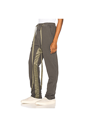 Fear of God Relaxed Sweatpant in Green