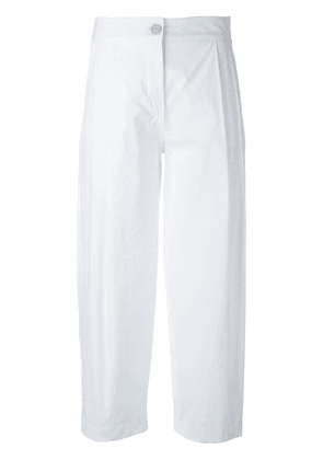 Erika Cavallini pleat detail cropped trousers - White