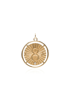Foundrae Karma medallion pendant - Gold