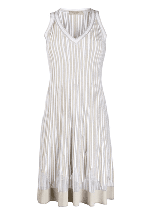 D.Exterior lightweight pleated dress - Neutrals