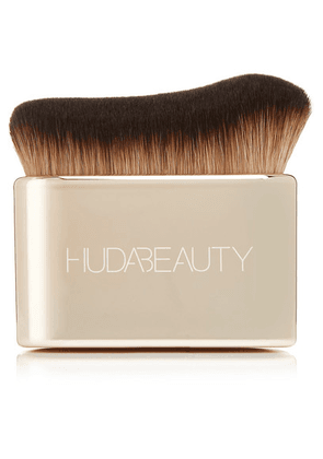 Huda Beauty - Body Blur And Glow Brush - one size