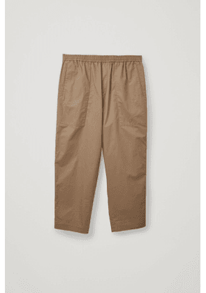 CARGO TROUSERS WITH JET POCKETS