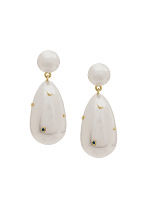 Eshvi pearl drop earrings - White