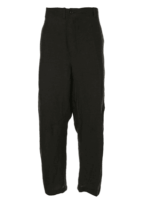Forme D'expression asymmetric belt loop cropped trousers - Black
