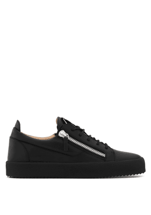 Giuseppe Zanotti - Leather low-top sneaker with signature FRANKIE