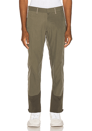 Arc'teryx Veilance Apparat Pant in Loden - Green. Size 30 (also in 32,34,36).