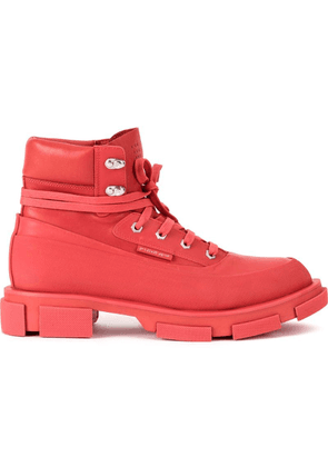 Both P09HSM boots - Red