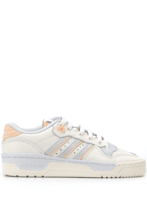 Adidas Rivalry Low sneakers - White