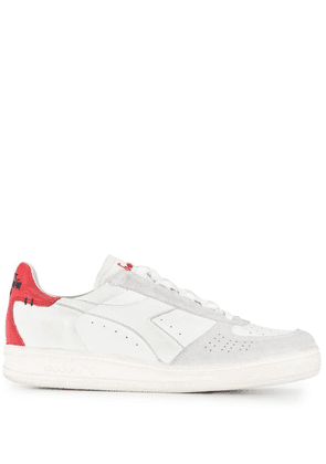 Diadora logo printed lace up sneakers - White