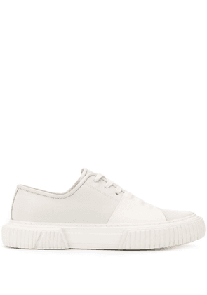Both low-top sneakers - White