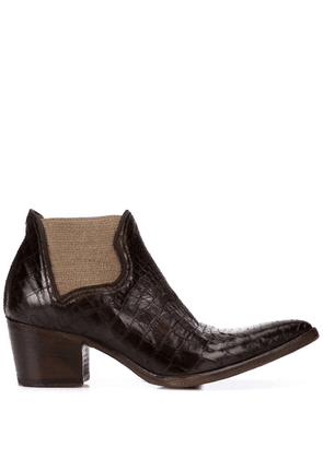 Alberto Fasciani textured pointy boots - Brown