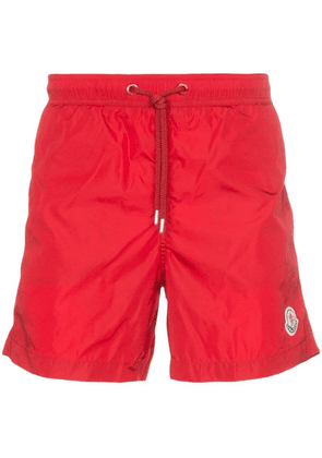 Moncler Logo patch swim shorts - Red