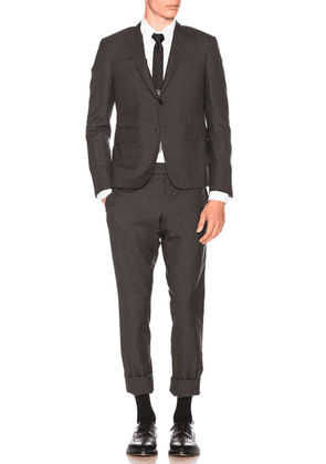 Thom Browne Plain Weave Suit in Dark Grey - Gray. Size 3 (also in ).