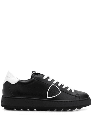 Philippe Model crest patch sneakers - Black