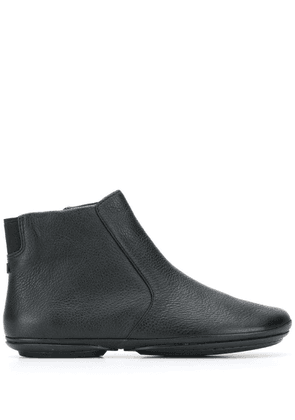 Camper Right ankle boots - Black