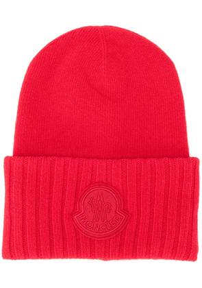 Moncler logo patch beanie - Red