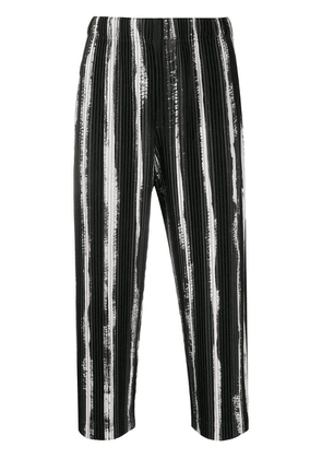 Homme Plissé Issey Miyake striped cropped trousers - Black