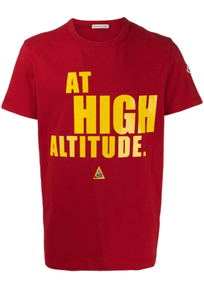 Moncler 'at high altitude' print T-shirt - Red