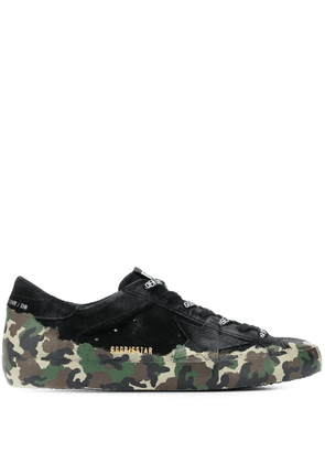 Golden Goose camouflage print low-top sneakers - Green