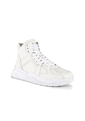 BALMAIN B-Ball Leather Sneaker in Blanc & Black Optique - White. Size 41 (also in 42,43,44,45).