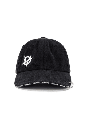 VETEMENTS Anarchy Cap in Black - Black. Size all.