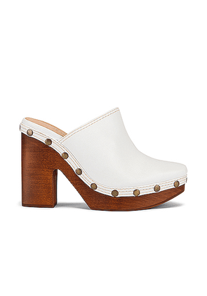 JACQUEMUS Clog Mule in White - White. Size 37 (also in 36.5,37.5,38,38.5,39.5,40,41).