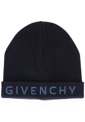 Givenchy embroidered logo knitted hat - Blue