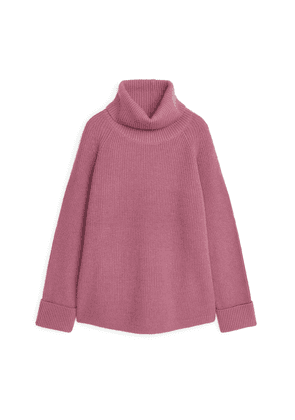 Relaxed Roll-Neck Jumper - Pink