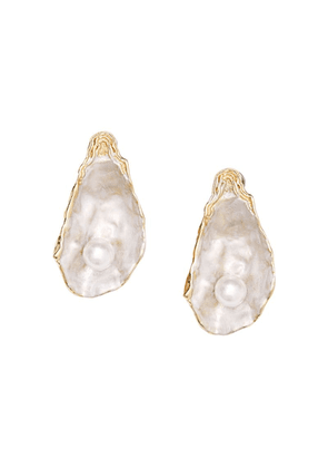 Burberry Faux Pearl Detail Gold-plated Oyster Earrings - White