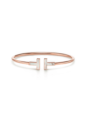 Tiffany T mother-of-pearl wire bracelet in 18k rose gold, small