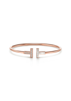 Tiffany T diamond and mother-of-pearl wire bracelet in 18k rose gold, small
