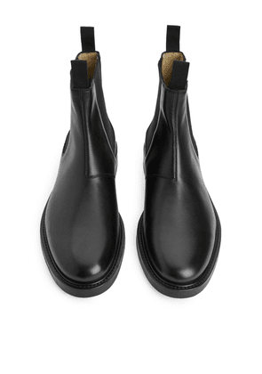 Leather Chelsea Boot - Black