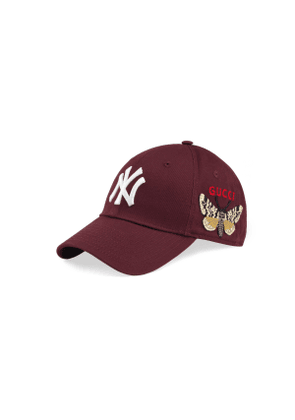 Baseball cap with NY Yankees™ patch